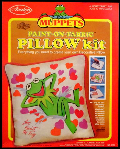 File:Pillow kit.jpg