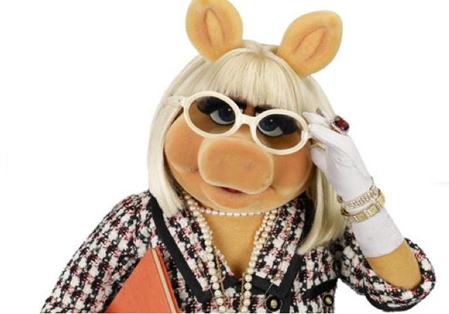 File:Piggy glasses.png