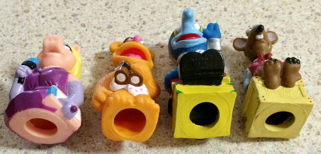 File:Australia muppets in space 1999 finger puppets 2.jpg