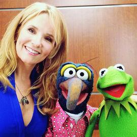 Lea Thompson Gonzo Kermit