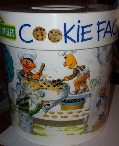 File:Peter pan cookie jar 3.jpg