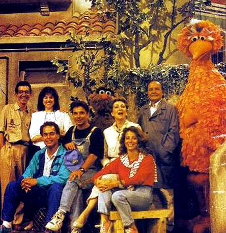 File:Rua Sesamo cast.JPG