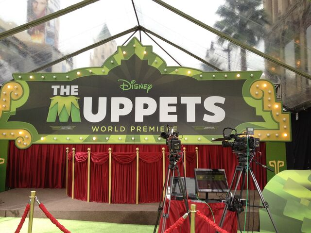 File:TheMuppets-WorldPremiere-ElCapitan-(2011-11-12)-12.jpg