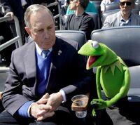 MichaelBloomberg&Kermit-YankeesStadium-(2012-04-13)
