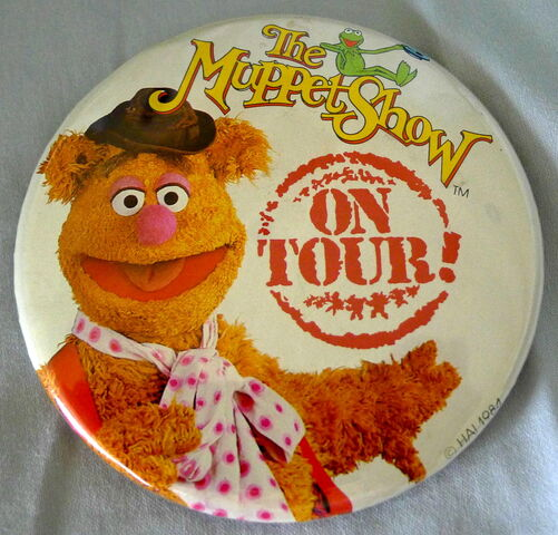 File:Muppet show on tour fozzie button.jpg
