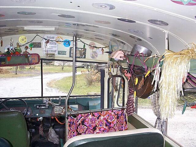 File:Em-Bus9.jpg