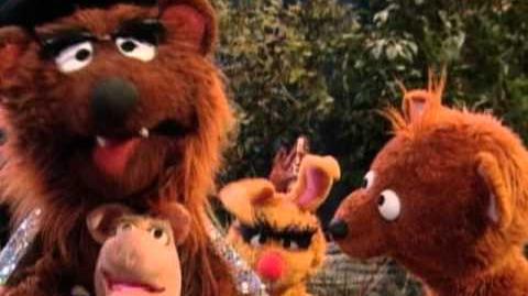 Sesame Street Papa Bear's Hug