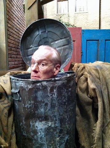 File:Tim Gunn - Oscar's trash can.jpg