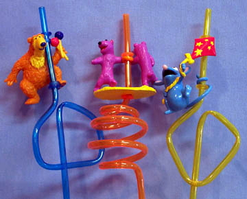 File:Applausebearstraws.jpg