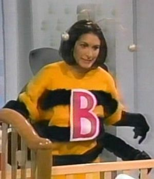 File:Sally-bee.jpg