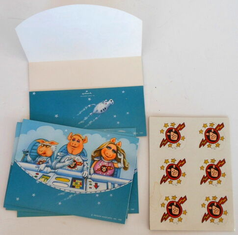 File:Hallmark 1981 pigs in space postalettes with stickers.jpg