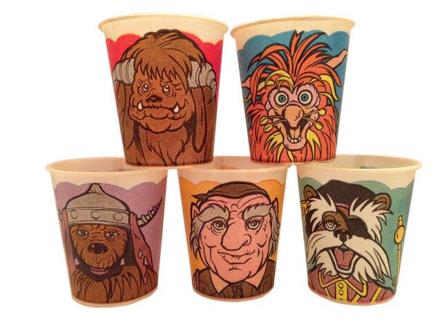 File:Labyrinth-100-cups-v2.jpg