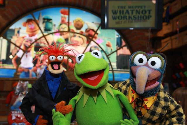 File:MuppetsAtWhatnotWorkshop-111308.jpg