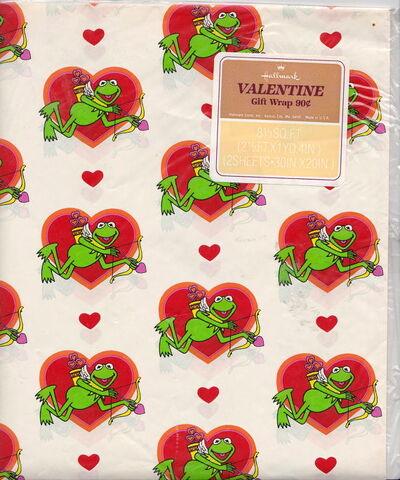 File:Hallmark valentine wrapping paper.jpg