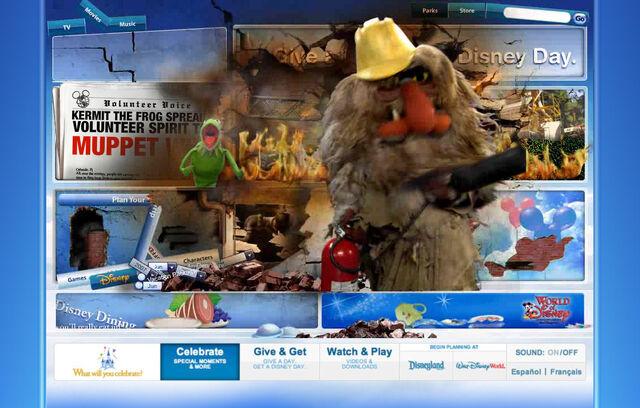 File:Disneyparksgive.com-25.jpg