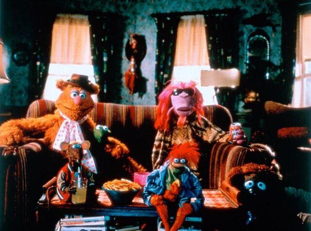 File:MuppetsFromSpace-BoardhouseGang.jpg