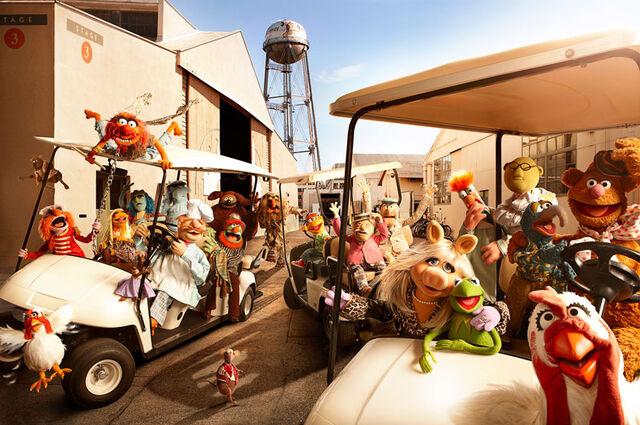 File:Muppets-Studio.jpg