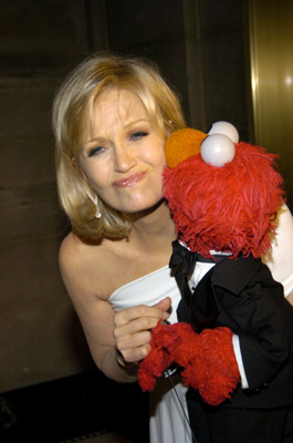 File:Diane Sawyer kiss.jpg
