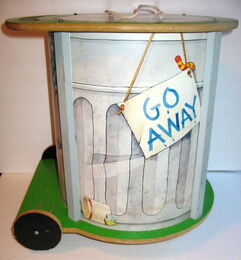 American toy 1982 chest oscar trash can 3
