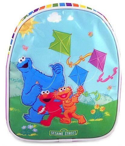 File:Flying kites backpack.jpg
