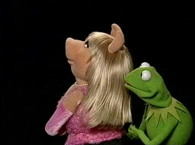 File:Muppetshowlive-piggy.jpg