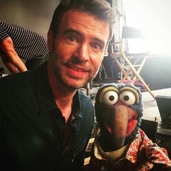 Scott Foley Gonzo