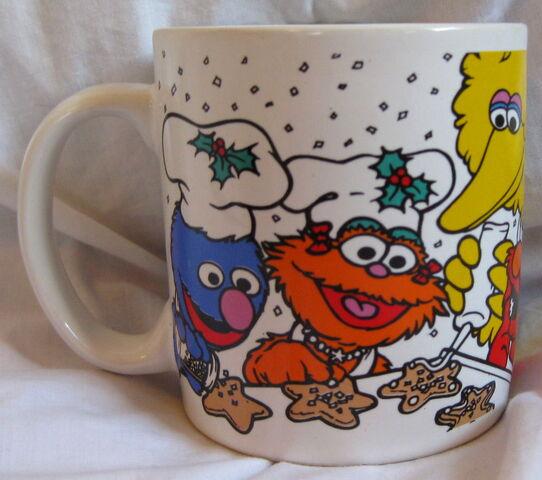 File:Applause 1997 christmas mug 1.jpg