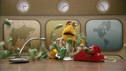TheMuppetsKitchen-WorldsBiggestSandwich-Newsman