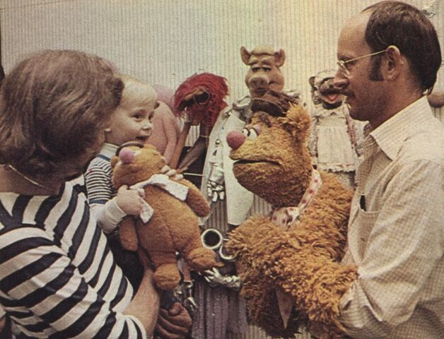 File:Frank Fozzie and friends.jpg
