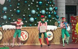 Ussingapore dec 2013 sesame street saves christmas show 2