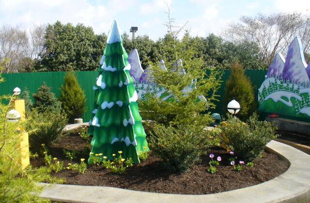 File:Busch gardens williamsburg 2009 forest of fun 14.jpg