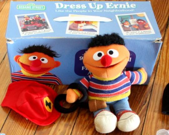File:Applause 1999 dress up ernie set 1.jpg