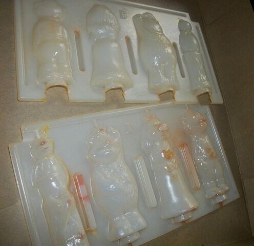 File:Avalon 1977 candle making kit 3.jpg