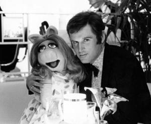 File:Charles Grodin and Miss Piggy.jpg