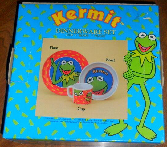 File:Zak designs kermit dinnerware 1.jpg