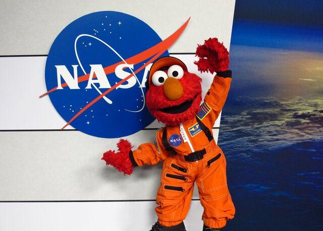 File:Elmo nasa.jpg