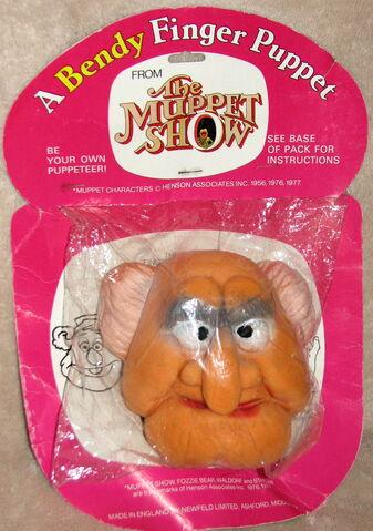 File:Bendy toys uk 1977 statler finger puppet 1.jpg