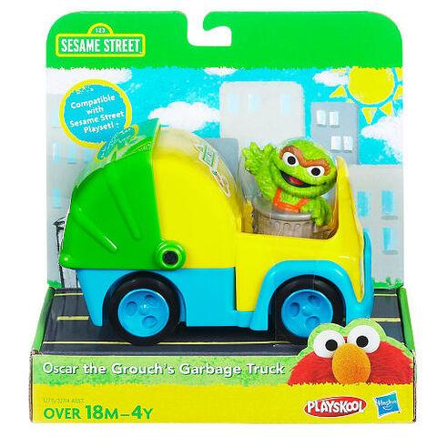 File:Oscar the grouch's garbage truck hasbro 1.jpg