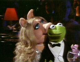 TheMuppetsGoHollywood-K&P-Kiss