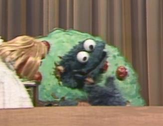 File:Cookie eats autumn leaves.jpg