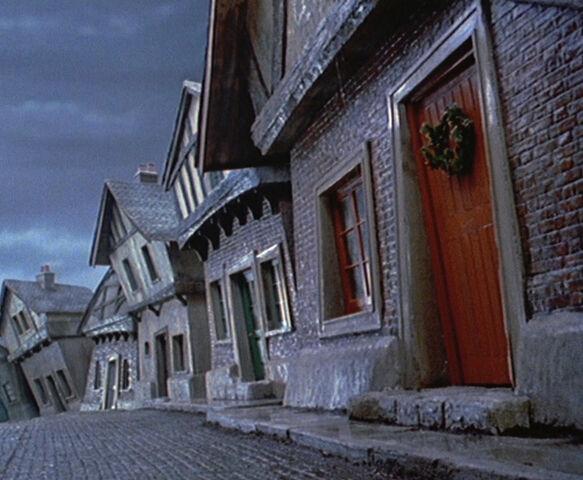 File:Cratchit house.jpg