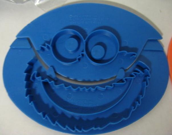 File:Cookie stamper 6.jpg