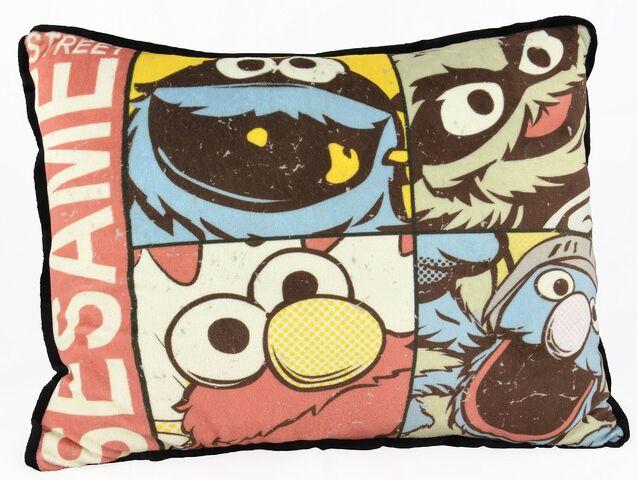 File:United labels 2015 pillow sesame.jpg