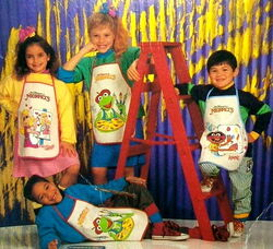 Innovo 1989 kiddy aprons art crafts muppet 4