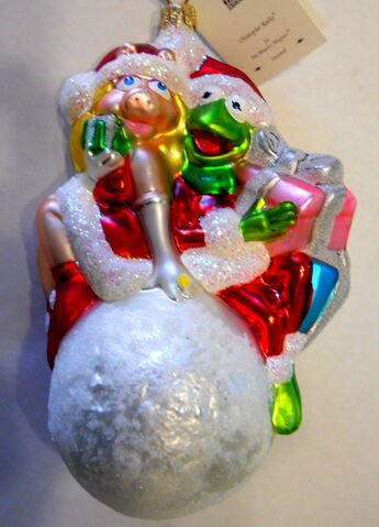 File:Christopher radko 1998 snowball miss piggy and kermit christmas ornament.jpg