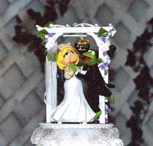 File:Muppet-Wedding-Cake-Topper.jpg