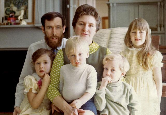 File:Henson family piano.jpg