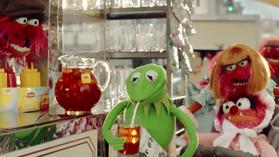 Lipton-BeMoreTea-(2014)-BabyAnimal&Mom