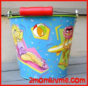 File:Schylling 1997 tin bucket 2.jpg