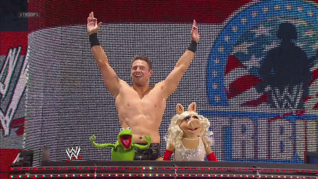 File:WWE-TributeToTheTroops-11-(2012-12-19).png